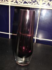 "ELEGANT SUBMERGED AMETHYST ART GLASS BUD VASE THICK CLEAR BASE 6.25"" UV GLOW"